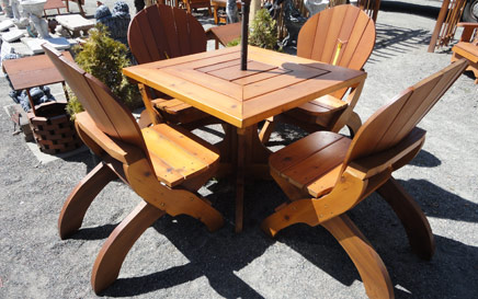 The Pedistal Chair Patio Set